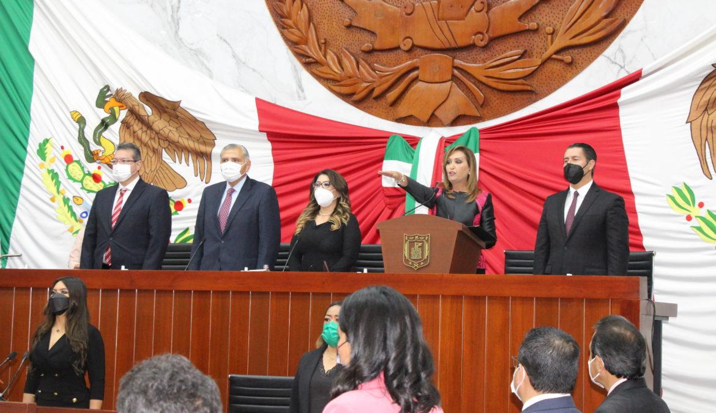 LORENA CUÉLLAR CISNEROS RINDE ANTE EL CONGRESO DEL ESTADO DE TLAXCALA, PROTESTA COMO GOBERNADORA CONSTITUCIONAL DEL ESTADO TLAXCALA
